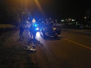 Nocny wypadek w alei KEN. Rowerzystka w szpitalu