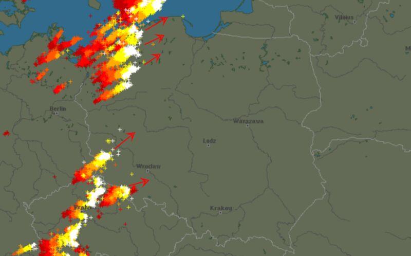 Burze w Polsce (godz. 21:40)