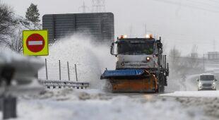 Intensywne opady śniegu spowodowały trudności na drogach w Hiszpanii